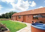 Cottage with Hot Tub near Chapel St Leonards