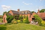 Large Holiday Cottage near Stratford-upon-Avon